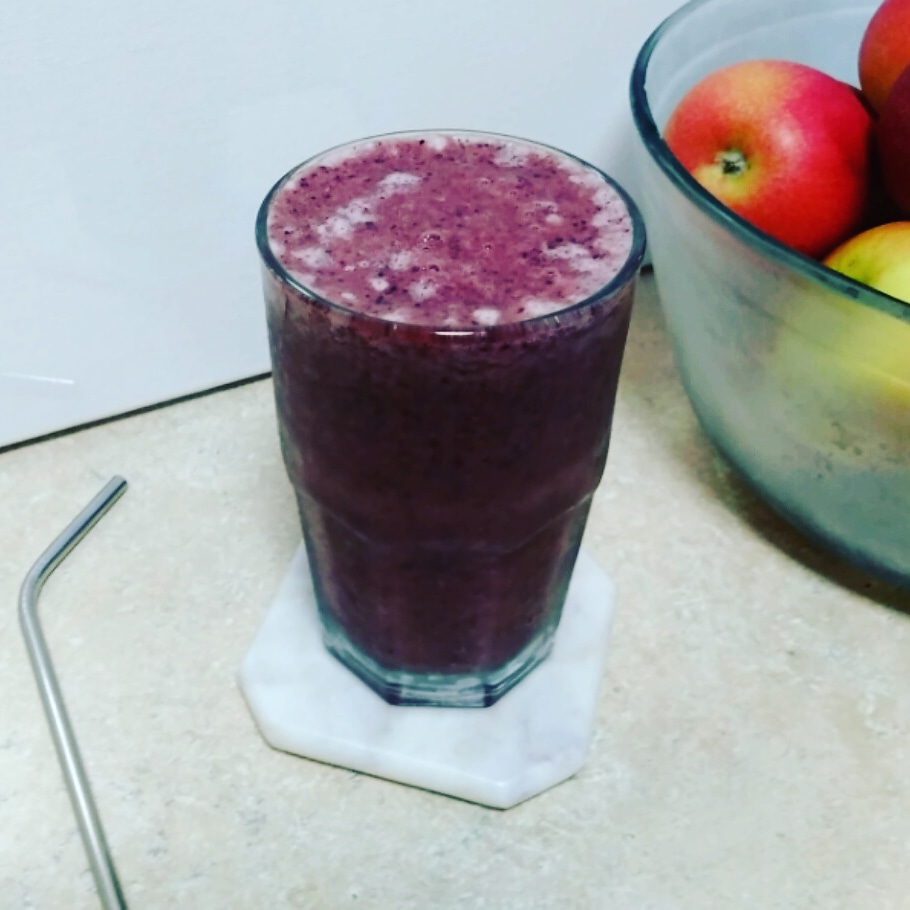 Sloane's Delicious & Satisfying Summer Blueberry Smoothie
